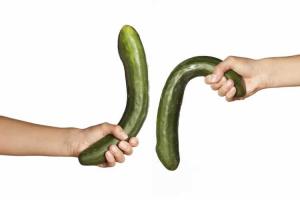 Nguyên nhân khiến dương vật của nam giới bị cong