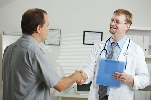 Nam giới có biểu hiện của liệt dương cần đến thăm khám tại các cơ sở y tế uy tín để chẩn đoán và chữa trị kịp thời